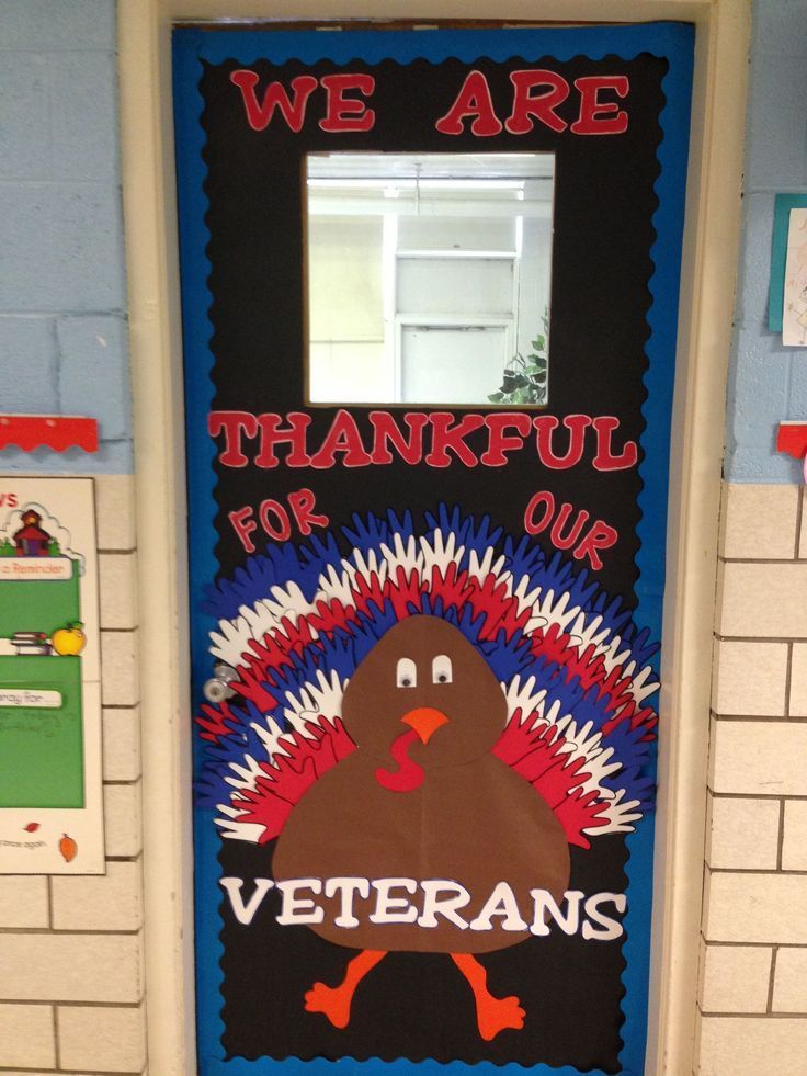 Veterans Day Classroom Door Or Bulletin Board Idea Veterans Dinner #novemberbulletinboards