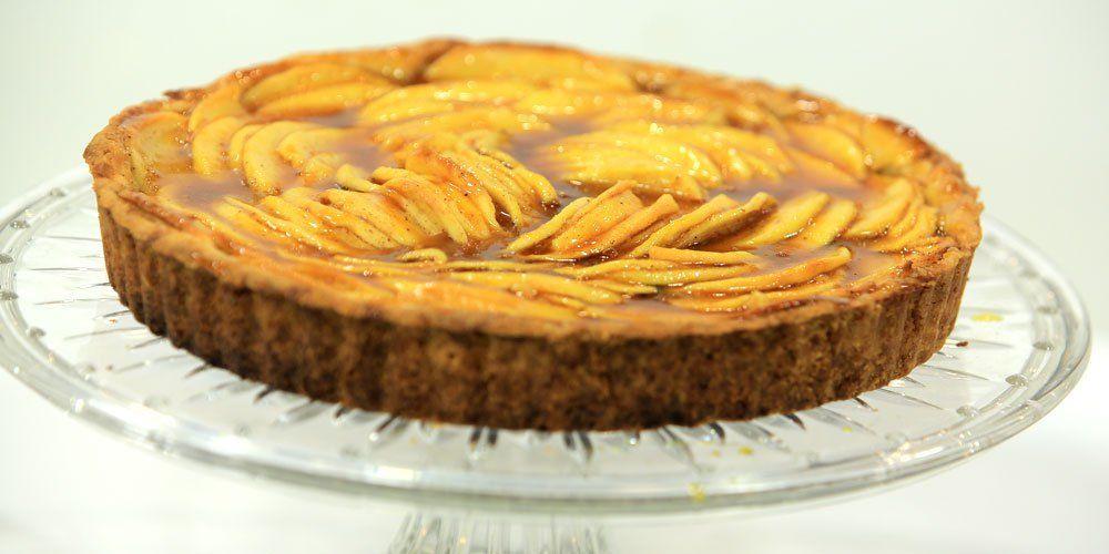 تارت التفاح بالكراميل Baking Desserts Recipes