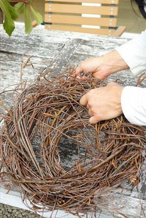 ein nest aus birkenreisig nest aus birkenreisig diy garten pinterest ostern fr hling. Black Bedroom Furniture Sets. Home Design Ideas