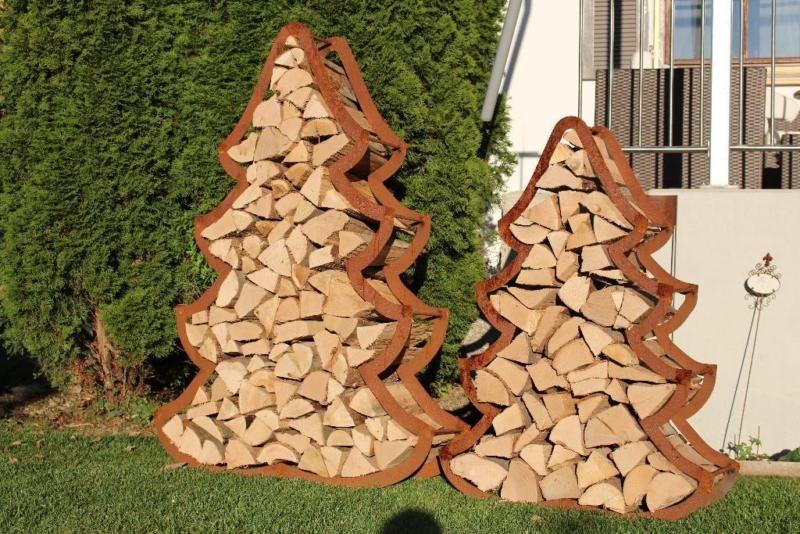Rostiger Tannenbaum.Biete Hier Diese Tollen Tannenbäume Aus Rostigen Metallblech Die