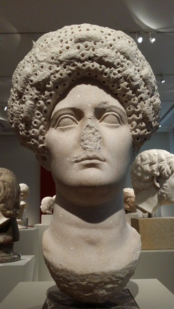 Woman with Curly Toupee following the hairstyle of Julia, daughter of Emperor Titus, 80-100 AD. Altes Museum Berlin