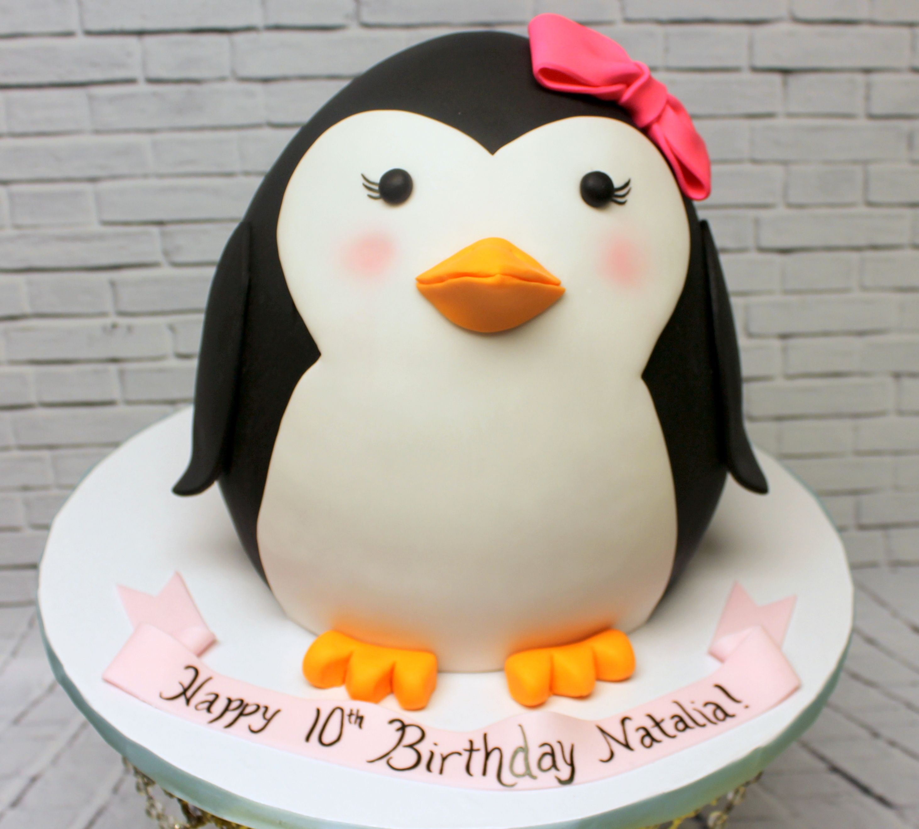 Excellent Such An Adorable Penguin Cake For A Birthday Celebration Funny Birthday Cards Online Aeocydamsfinfo