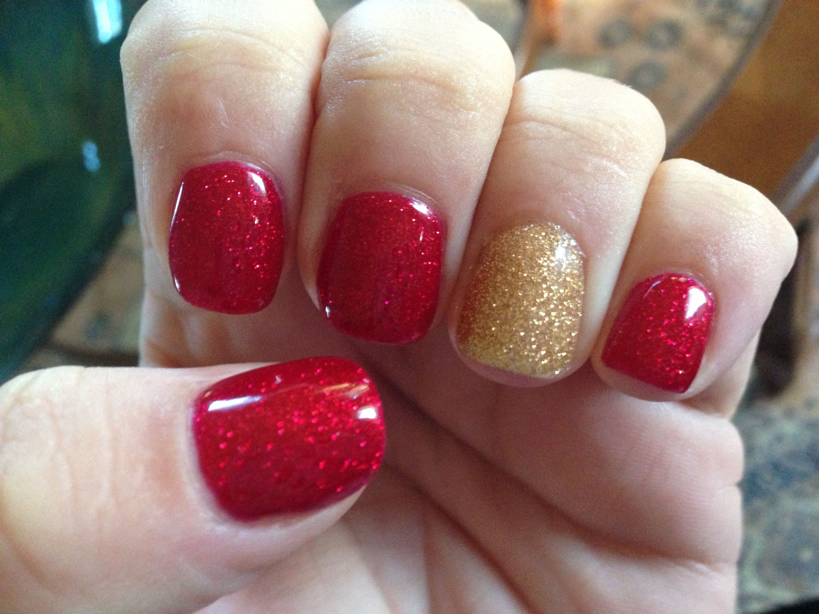 My Cnd Shellac Christmas Nails By Christy Clow Mynailtechisbetterthanyours Christmas Shellac Nails Holiday Nails Holiday Nail Colors