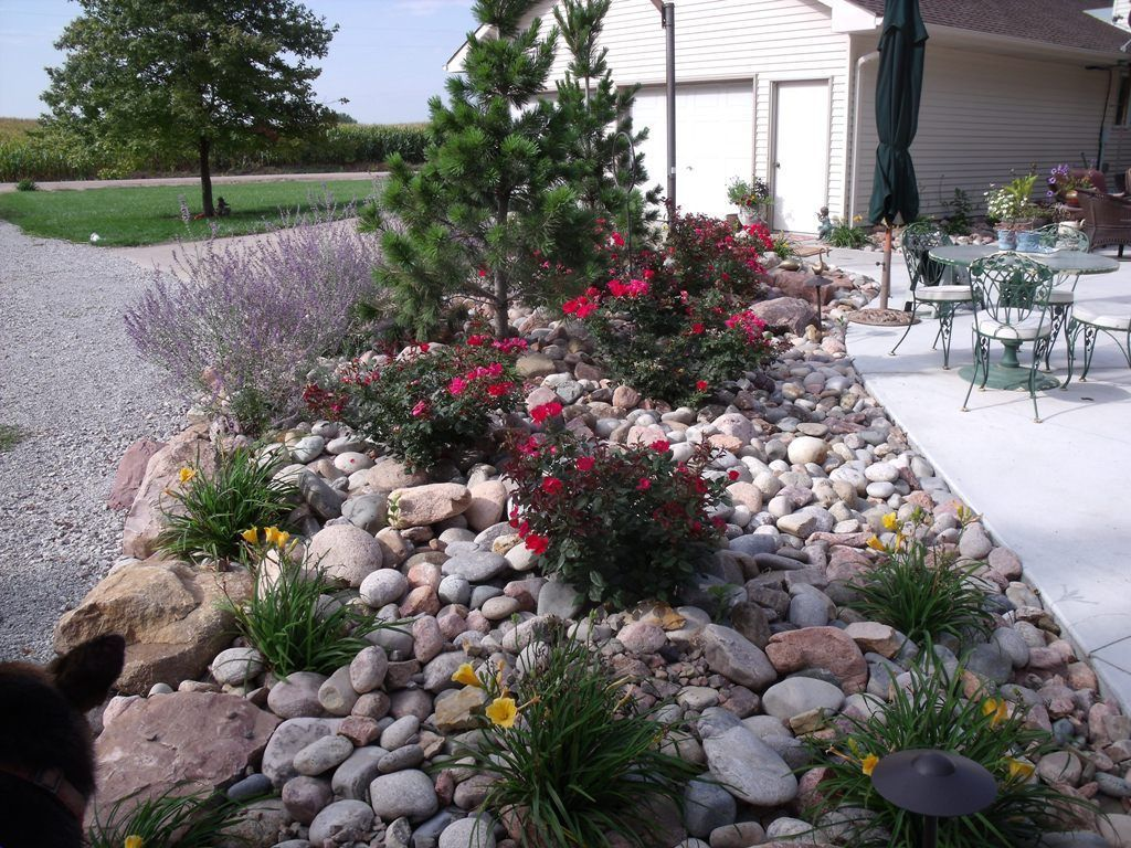 30 Most Beautiful And Attractive Rock Garden Ideas