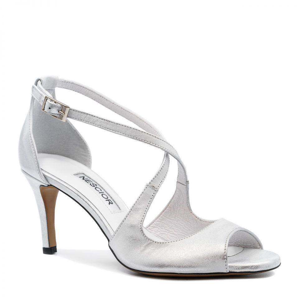 Srebrne Skorzane Szpilki Sandaly Ze Skrzyzowanymi Paseczkami 114e Nescior Sklep Firmowy Shoes Fashion Flats
