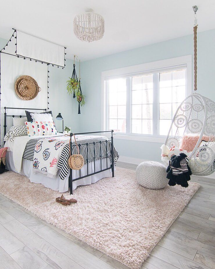 Designing A Room With A 10 Year Old Girl Is Not For The Faint Of Heart Our Conversation Went Like This Tween Girl Bedroom Cute Bedroom Ideas Tween Girls Room