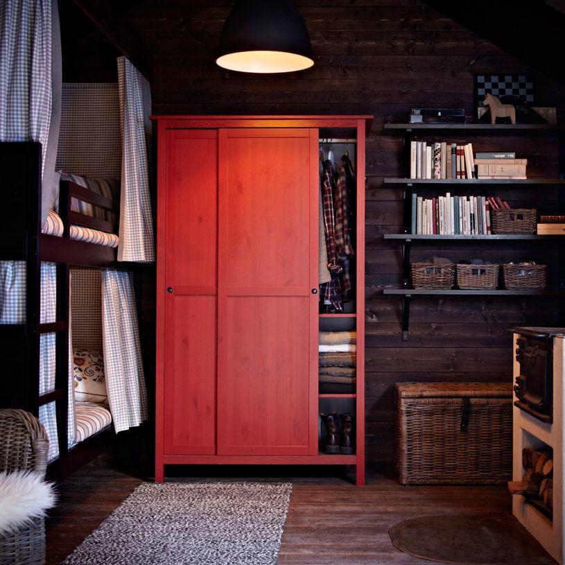 Armario HEMNES rojo con dos puertas correderas  Houses  Armario hemnes Armario puertas correderas y HEMNES