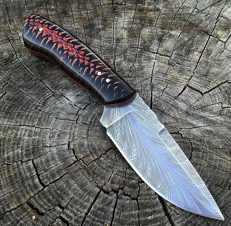 Backwoods Custom Knives Mais Stabilized pine cone scales.
