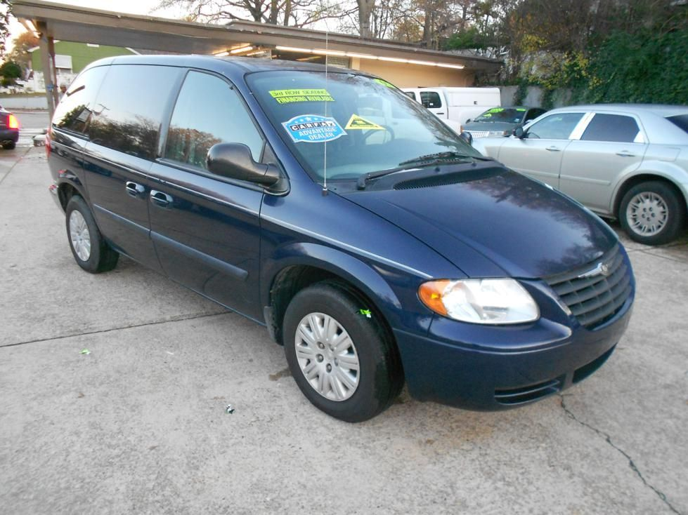 2005 Chrysler Town Country With Images Chrysler Vehicles