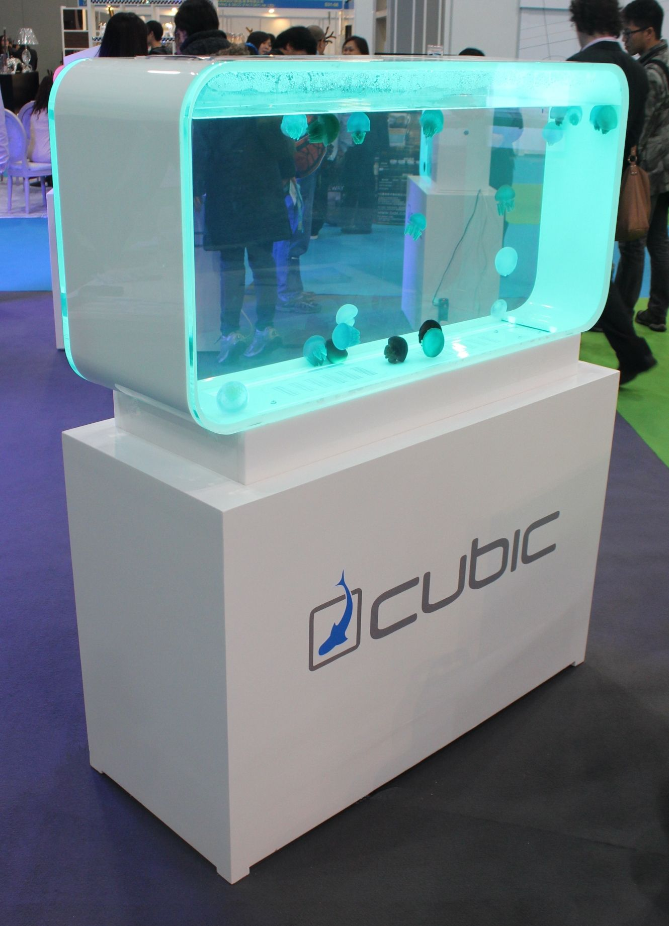 Aquarium fish tank complete system - Pulse 280 Jellyfish Aquarium Containing Blue Blubber Jellyfish Made By Cubic Aquarium Systems