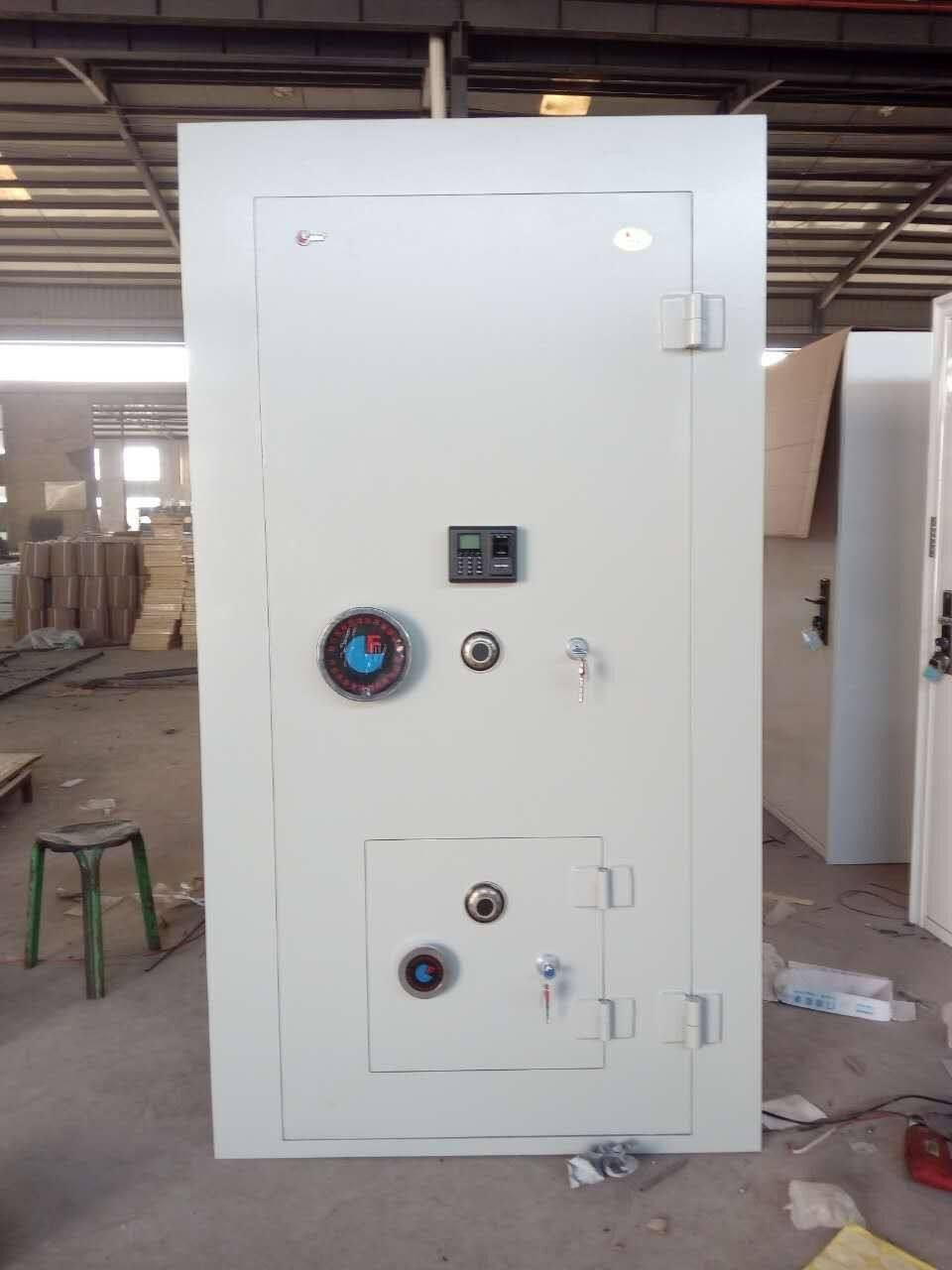 Bank Vault Room Doors For Sale Vault Door 1 In 2019 Room Doors