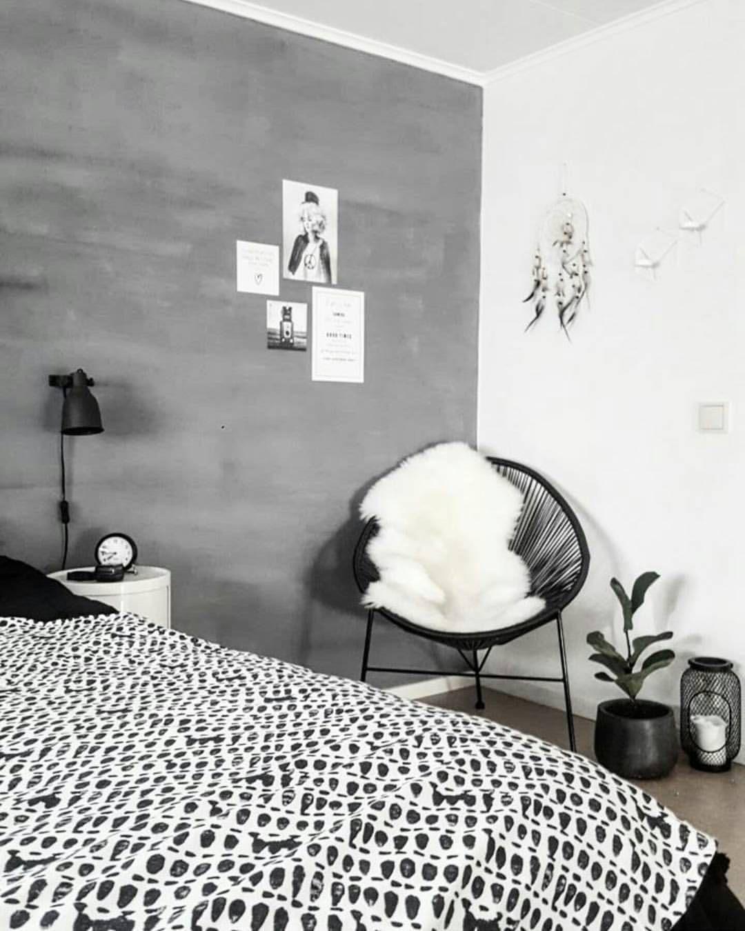 Betonlook wand, zwart-wit aankleding, top