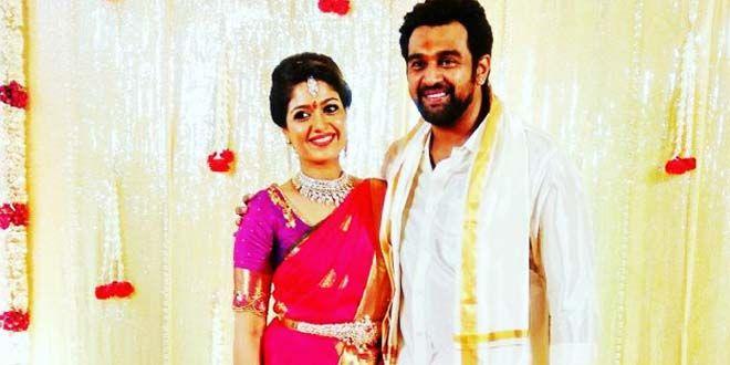 Cool Actress Meghna Raj Engagement Photos Kerala Wedding Photography Engagement Photos Wedding Trends