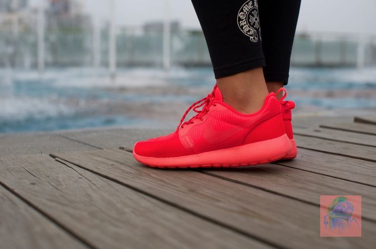 acheter votre favori vente recommander Nike Roshe Course Baskets Hyperfuse Travestissement Rouge sortie Nice 1FKXE2VYA