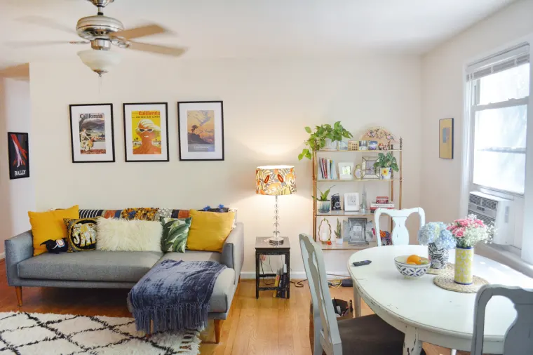 This Travel Journalist S First Big Girl Apartment Is A Cozy