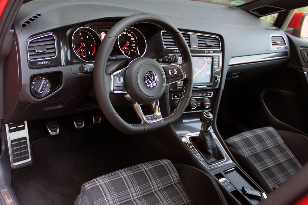 2015 Vw Golf Gtd Variant Tartan Seats Black Headliner And Manual Transmission An R With 4motion Still Undecided Vw Golf Mk4 Vw Golf Super Cars
