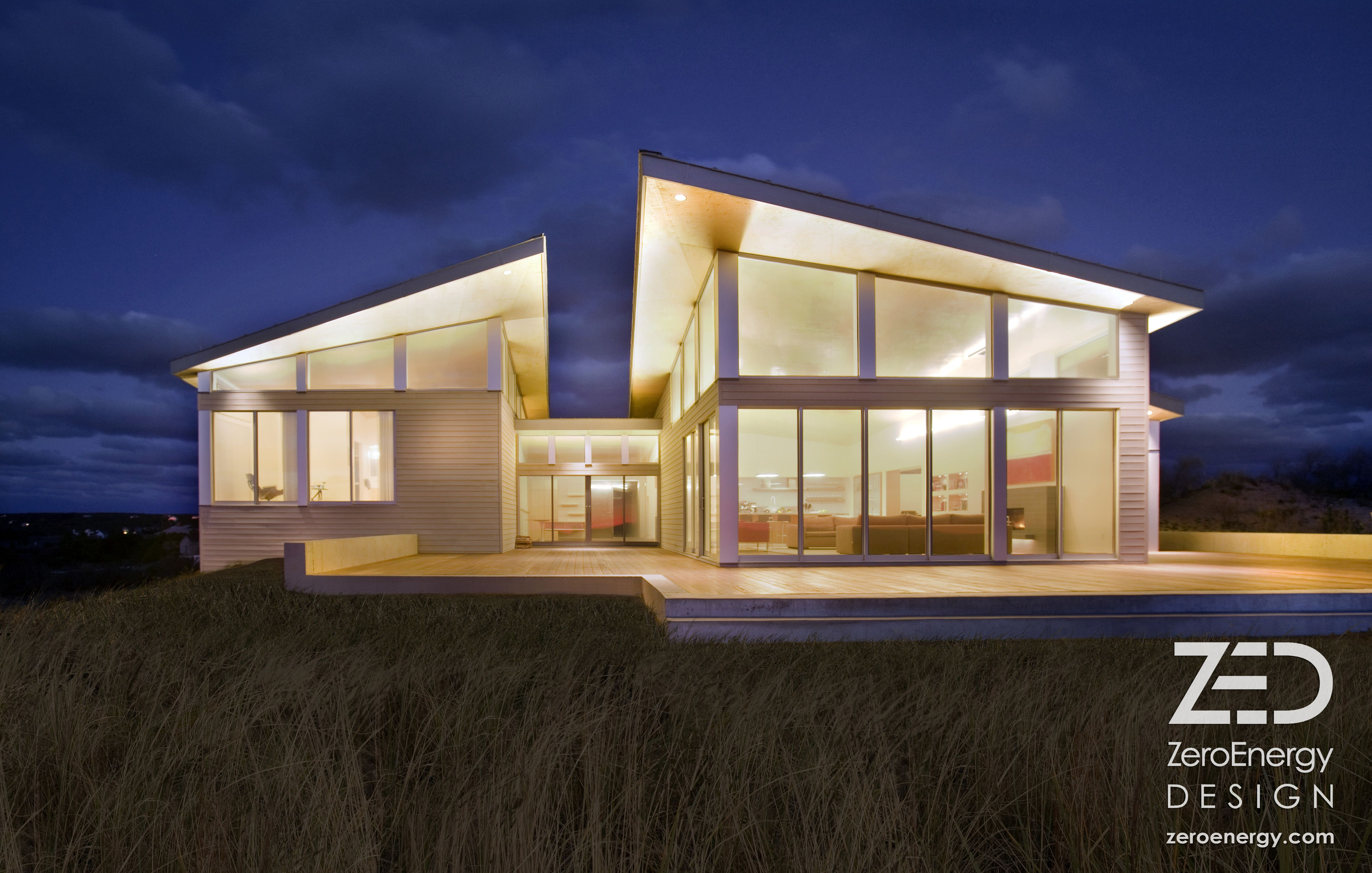 Sustainable Beach House On Cape Cod By Boston Architects Zeroenergy Design This Modern Vacation Modern Beach House Beach House Design House Designs Exterior