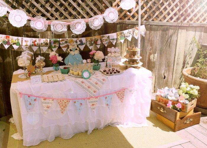 Shabby chic vintage cinderella party princess parties for Decoracion hogar retro