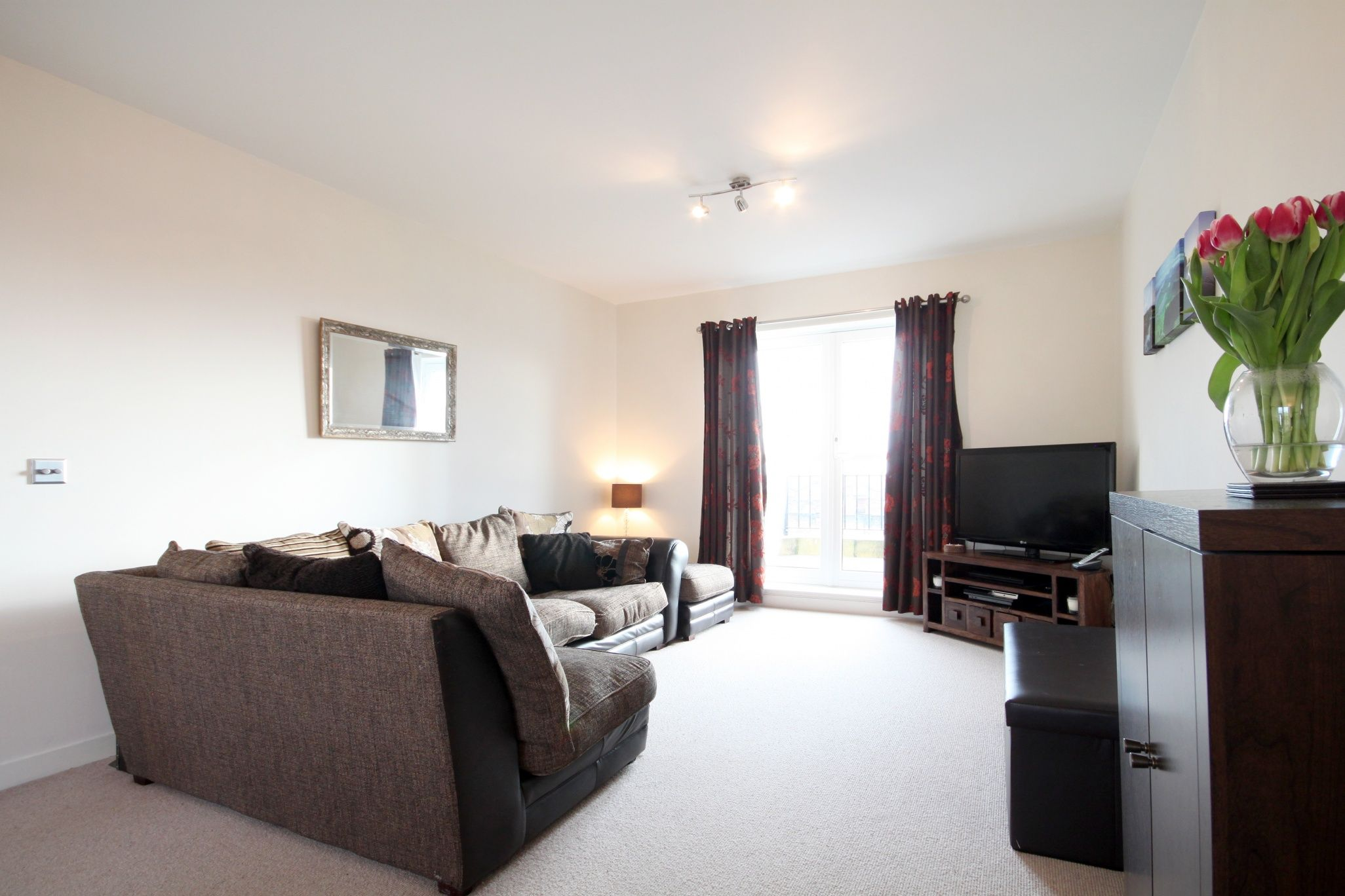 Edinburgh Two Bedroom Apartments 2 Bed Flat Living Room