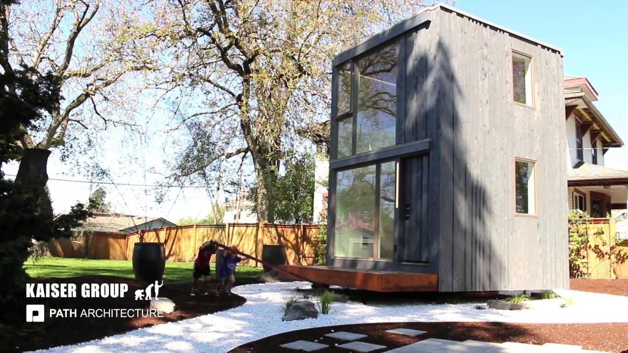 Een draaiend huis: ideaal als je lastige buren hebt of gewoon meer zon in huis! http://nl.metrotime.be/2016/06/01/must-read/met-dit-draaiend-huis-heb-je-elke-dag-een-ander-uitzicht/