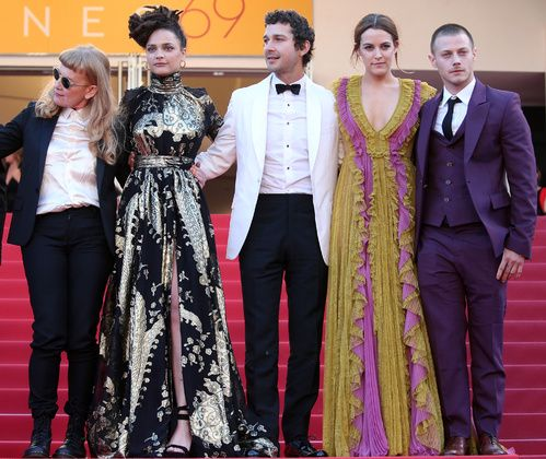 Andrea Arnold, Sasha Lane en Emanuel Ungaro, Shia LeBeouf, Riley Keough en Gucci et McCaul Lombardi