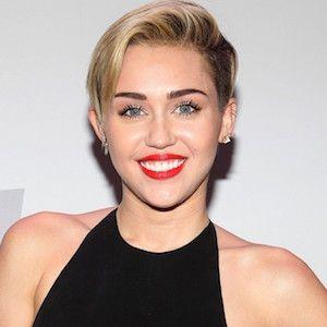 Miley Cyrus lesbické sex
