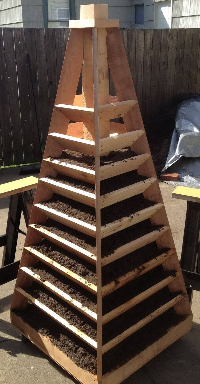 How To Build A Vertical Garden Pyramid Tower For Your Next DIY ...