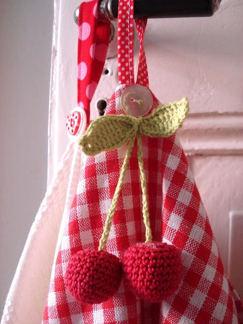 Sweet Cherry made by Freuleinmimi. Free pattern, in German here http ...