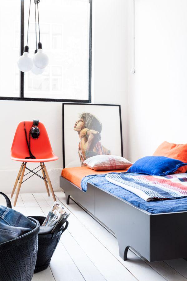Tienerkamer. Voor meer kinderkamer inspiratie kijk ook eens op http://www.wonenonline.nl/slaapkamers/kinderkamer/
