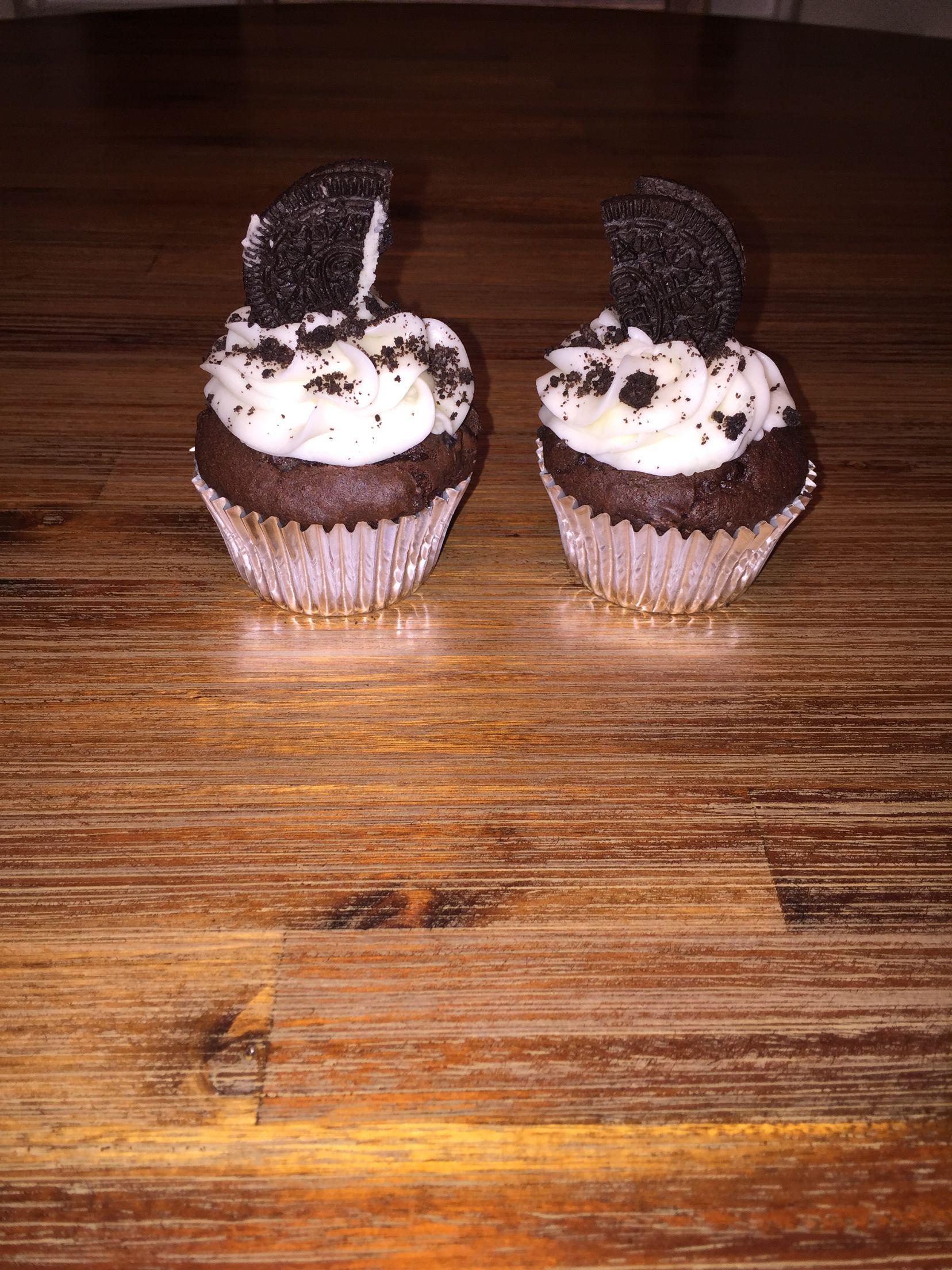 Oreo double chocolate cupcakes I made! Desserts, Oreo