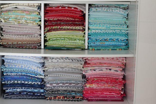 Fabric Stash by Color  Neun Regeln zum Stoffkauf, von denen ich wünschte, ich hätte sie von Anfang an beachtet