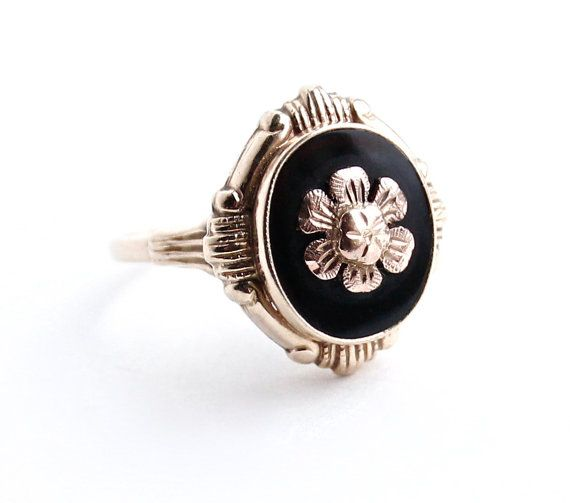 Antique 10K Gold Flower Ring Onyx Black Stone Late Victorian - Early Edwardian Jewelry by MaejeanVINTAGE, $190.00