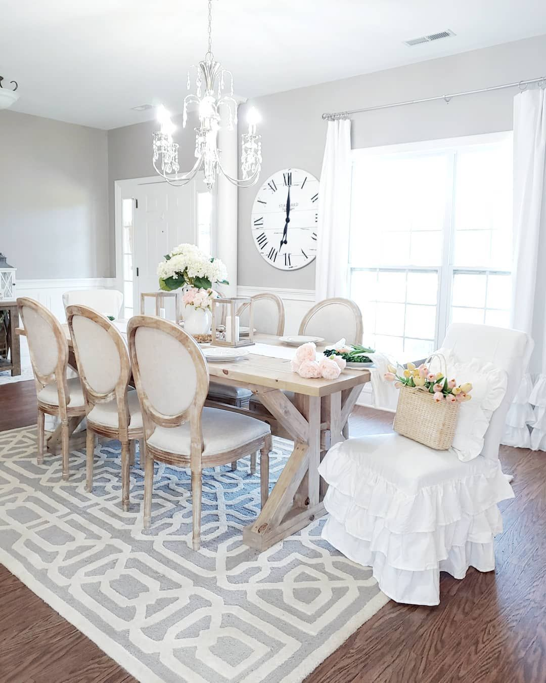 3 Charming French Country Dining Rooms In 2020 French Country Dining Room Country Dining Rooms Dining Room French