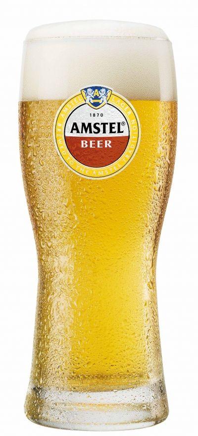 Amstel Beer E Adattta A Essere Gustata Da Soli O In Compagnia