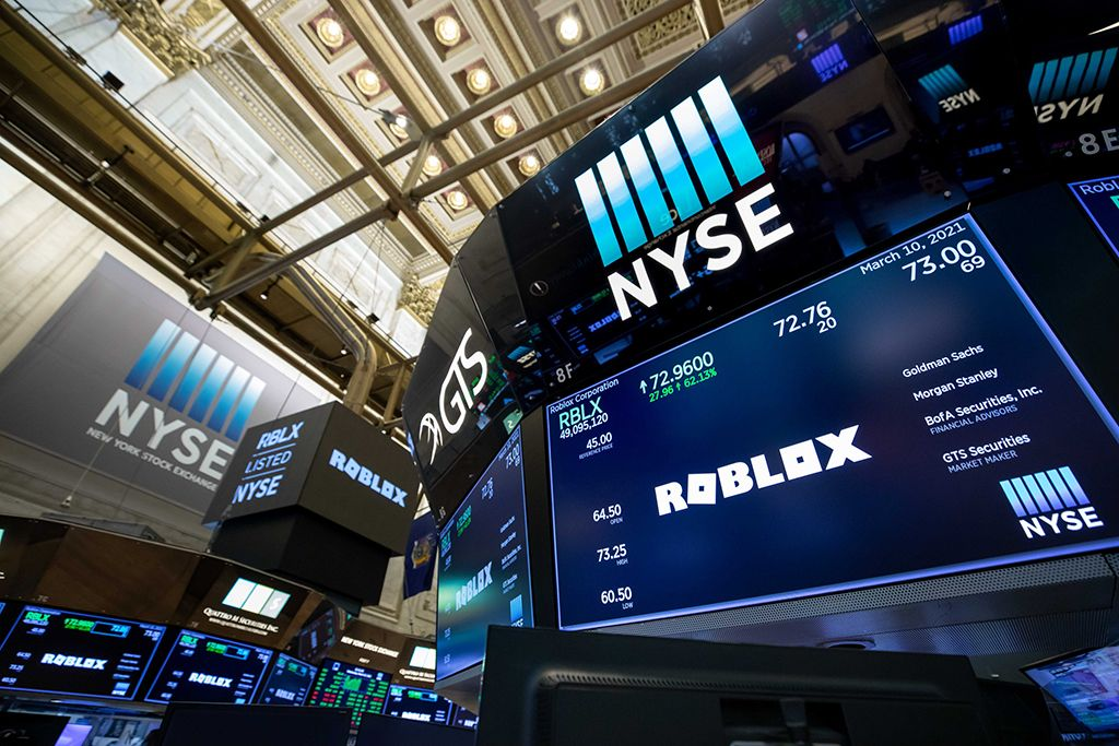 Roblox Online Gaming Platform Sees 38 Billion Valuation On Nyse Debut In 2021 Roblox Online Blockchain Technology Life Application