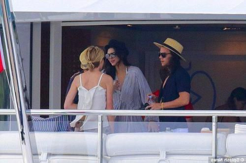 Harry Styles And Kendall Jenner #harrystylesandkendalljenner HENDALL - HARRY EDWARD STYLES & KENDALL NICOLE JENNER Pictures of Harry Styles and Kendall Jenner vacationing in St Barts have been leaked and are circulating on Twitter. These images are not from the iPhone but were taken around the same time as the leaked photos #HarryStylesAndKendallJenner #harrystylesandkendalljenner #harrystylesandkendalljenner
