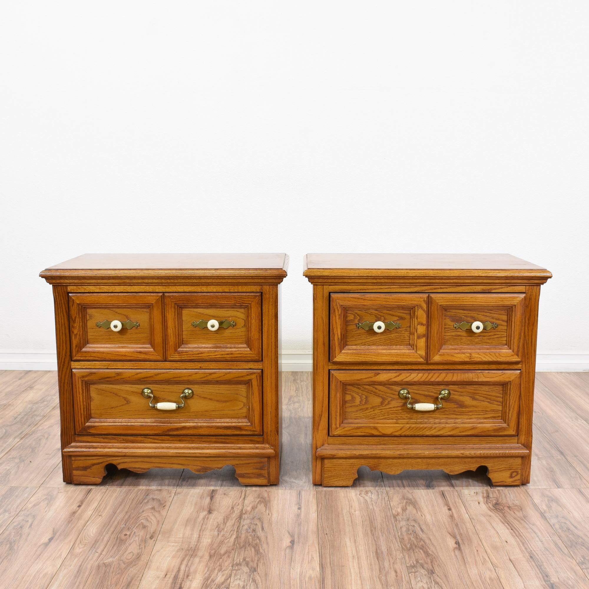 """this set of two """"thomasville"""" nightstands features great"""