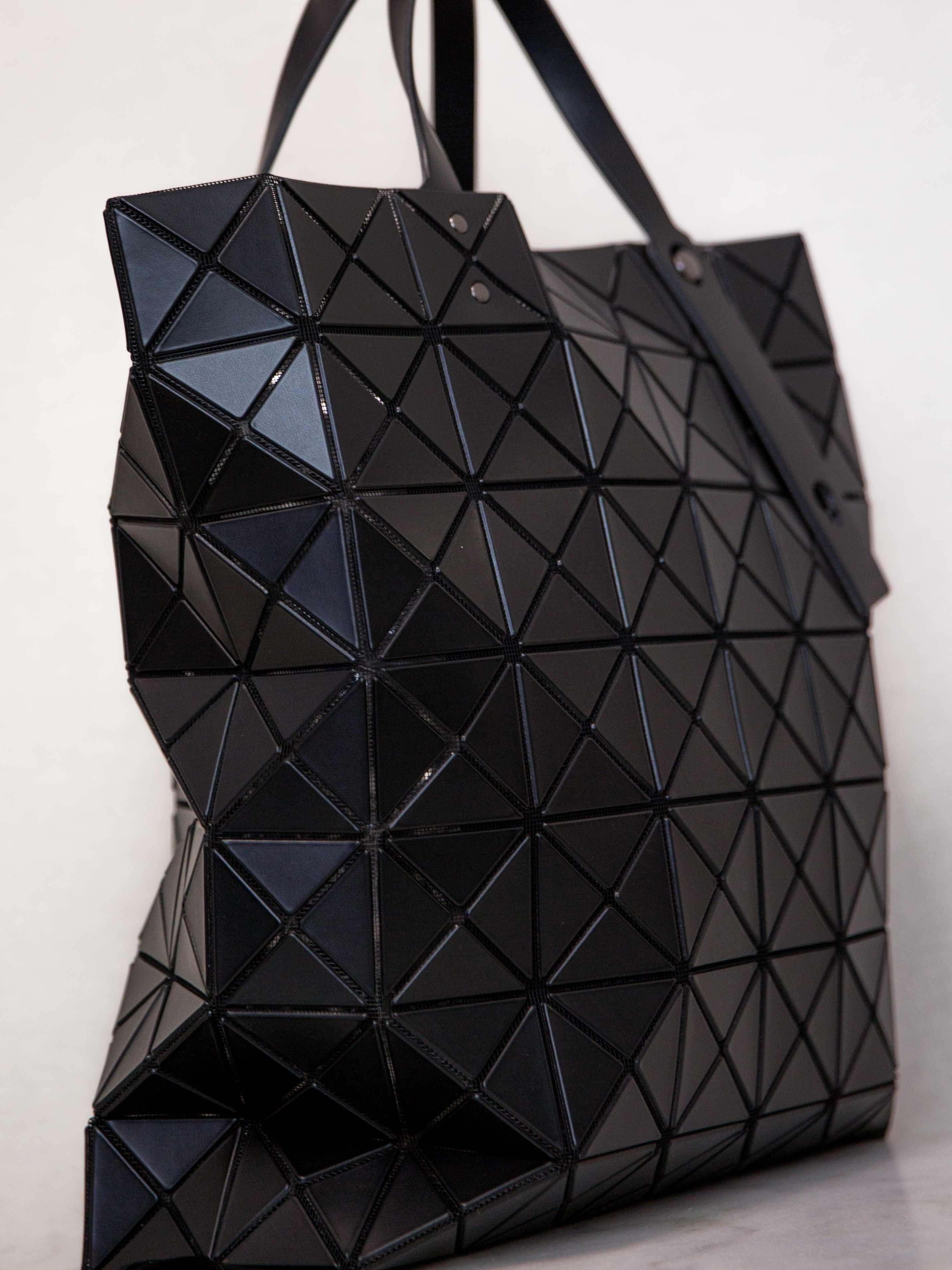 BAO BAO ISSEY MIYAKE Lucent Matte Oversized Tote Bag - Black ... a66697a630e03