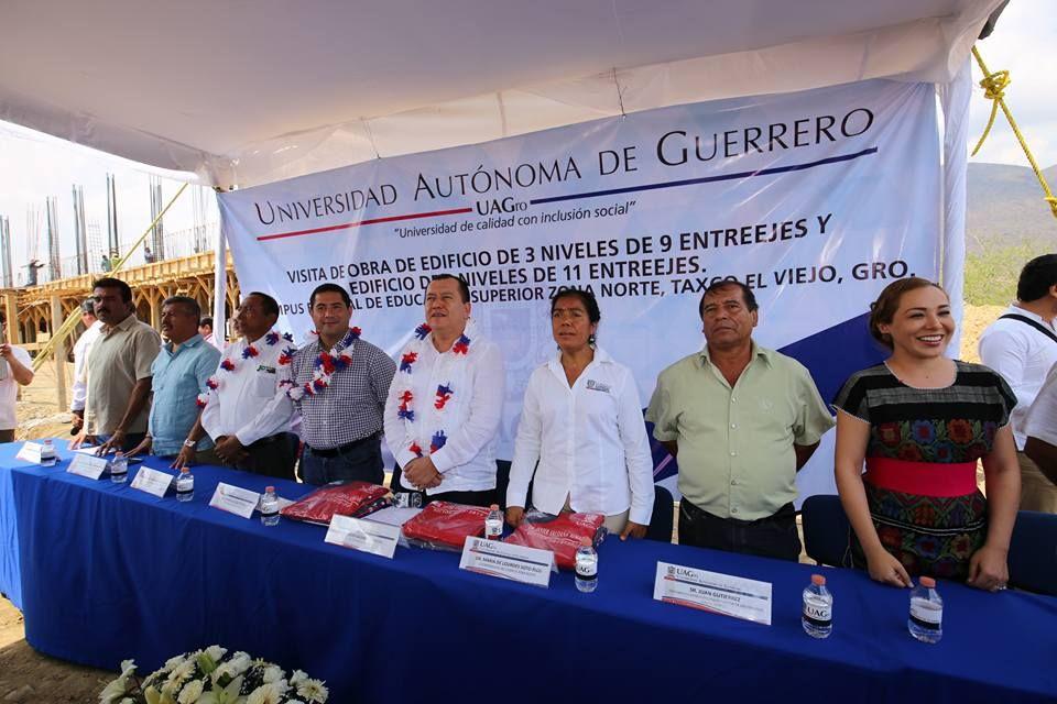 Supervisa Javier Saldaña campus regional de la zona norte. - http://bloque.info/1XSF22q #Educación