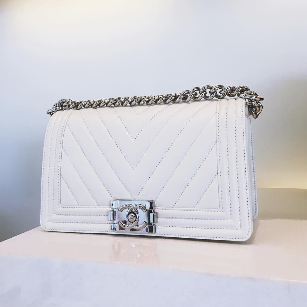 White Chevron Chanel Boy bag   Style in 2019   Chanel, Chanel boy ... ef8c2d203ae