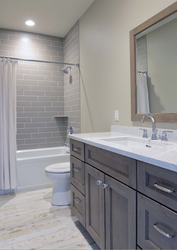 46 Simple Guest Bathroom Makeover Ideas On A Budget Probably If You Will Have Some Extra Cash For Some Remodeling That Has To Be Done In Small Bathroom Bathroom