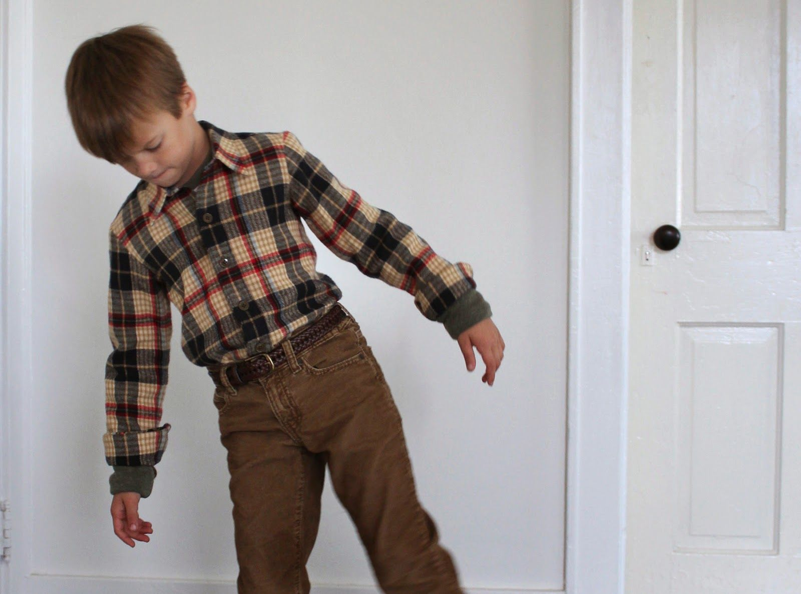 Grunge flannel outfits  Theo Buttondown and Field trip raglan  Kidsu Fashion  Pinterest