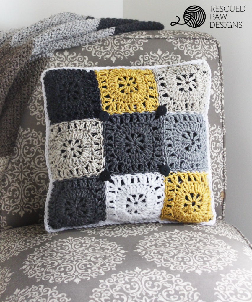 Free Square Button Pillow Crochet Pattern | Patrón libre, Diseño y ...
