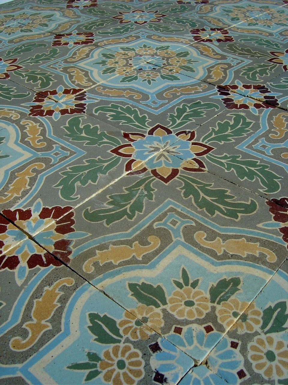 17.5m2 / 190 sq ft Exquisite antique Belgian ceramic