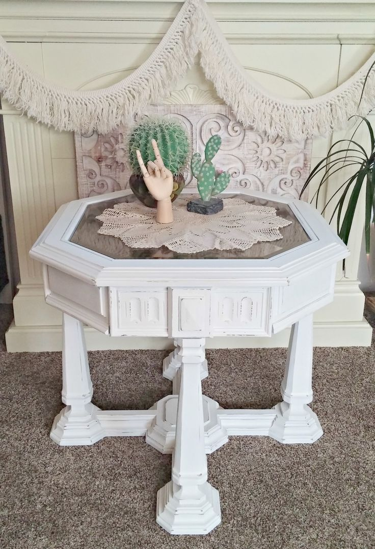 This Ugly 1970 S End Table Got A Fresh New Look With Just Few Coats Of Paint Upcycle Furniture