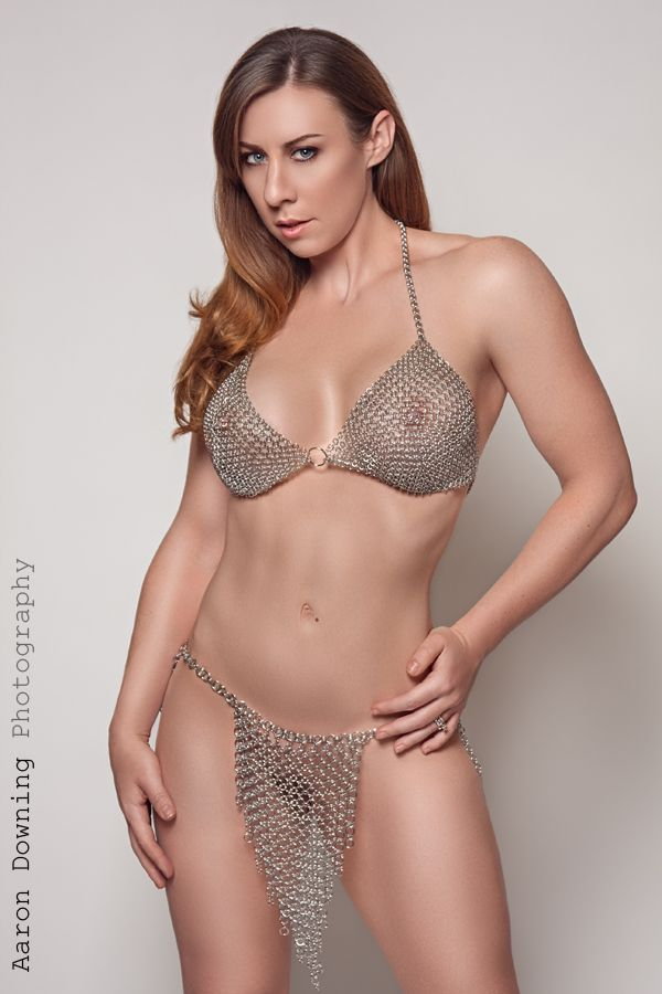 Chain mail bikini pattern