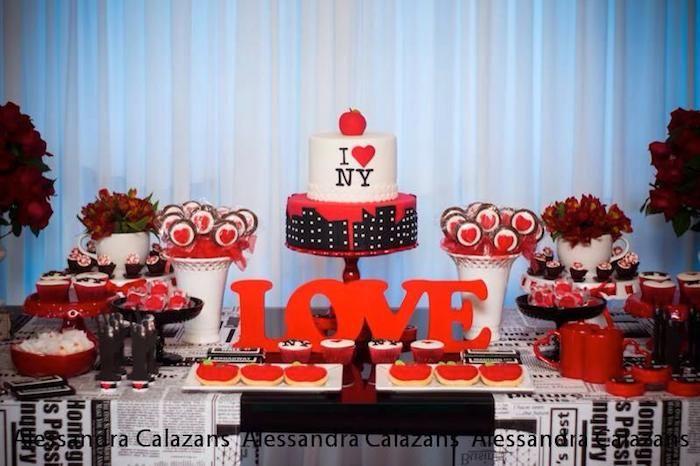 new york city bridal shower via karas party ideas karaspartyideascom iloveny iheartny newyorkcity cake decor invitation supplies and more 11