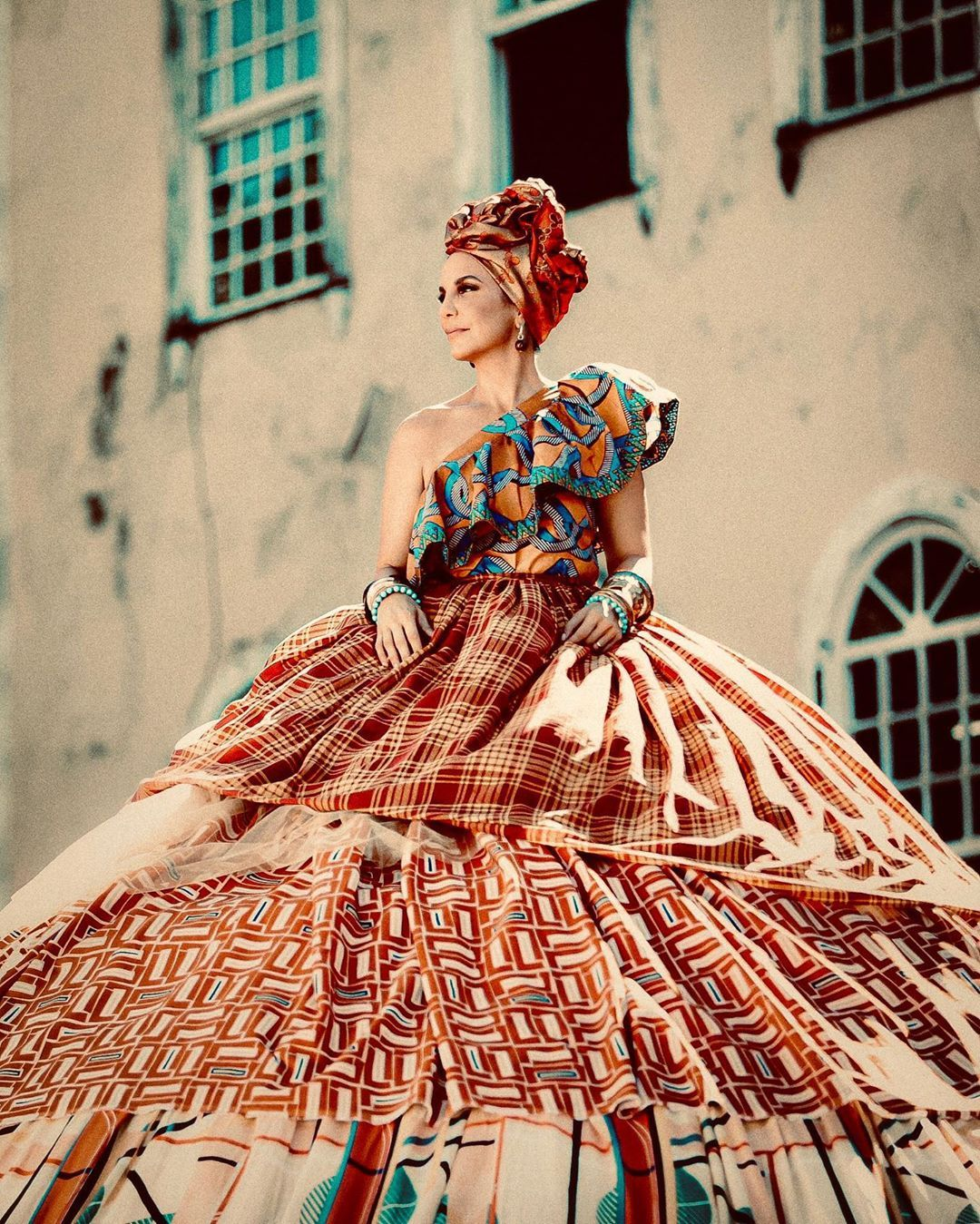 "100 mil curtidas, 3,261 comentários - Veveta (@ivetesangalo) no Instagram:  ""#NaoMeOlheAs… 
