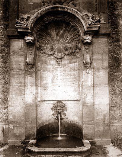 Eugène Atget  Fontaine Childebert, 1720, Monge square  circulation of 1900 or 1901