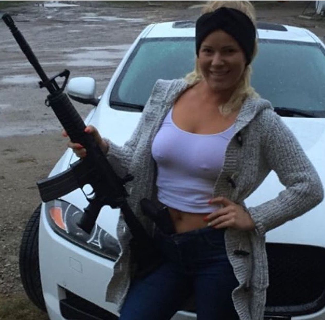 90 Miles From Tyranny : Girls With Guns | Girl guns, Army